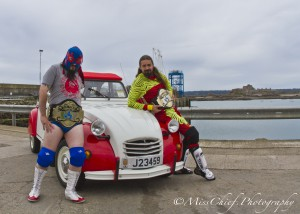 2cv citroen and wrestlers