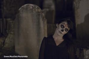 halloween zombie wiht neck bent